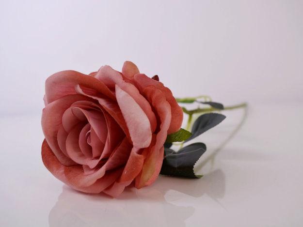Umjetna ruža