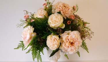Aranžman od umjetnog cvijeća za groblja 02