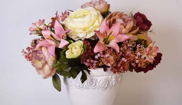 Aranžman od umjetnog cvijeća za groblja 04