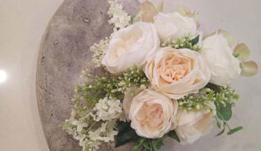 Aranžman od umjetnog cvijeća za groblja 10