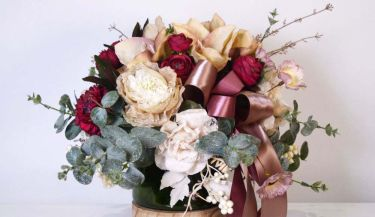 Aranžman od umjetnog cvijeća za uređenje interijera 09