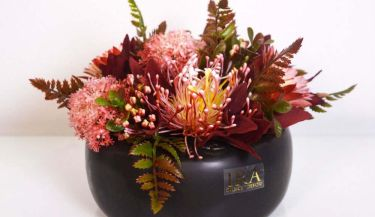 Aranžman od umjetnog cvijeća za uređenje interijera 10