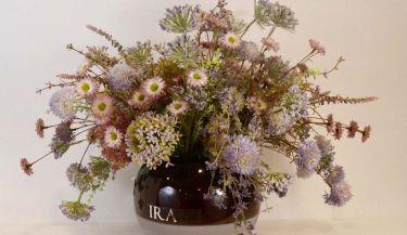Aranžman od umjetnog cvijeća za uređenje interijera 16
