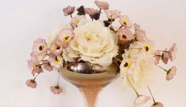 Aranžman od umjetnog cvijeća za uređenje interijera 17