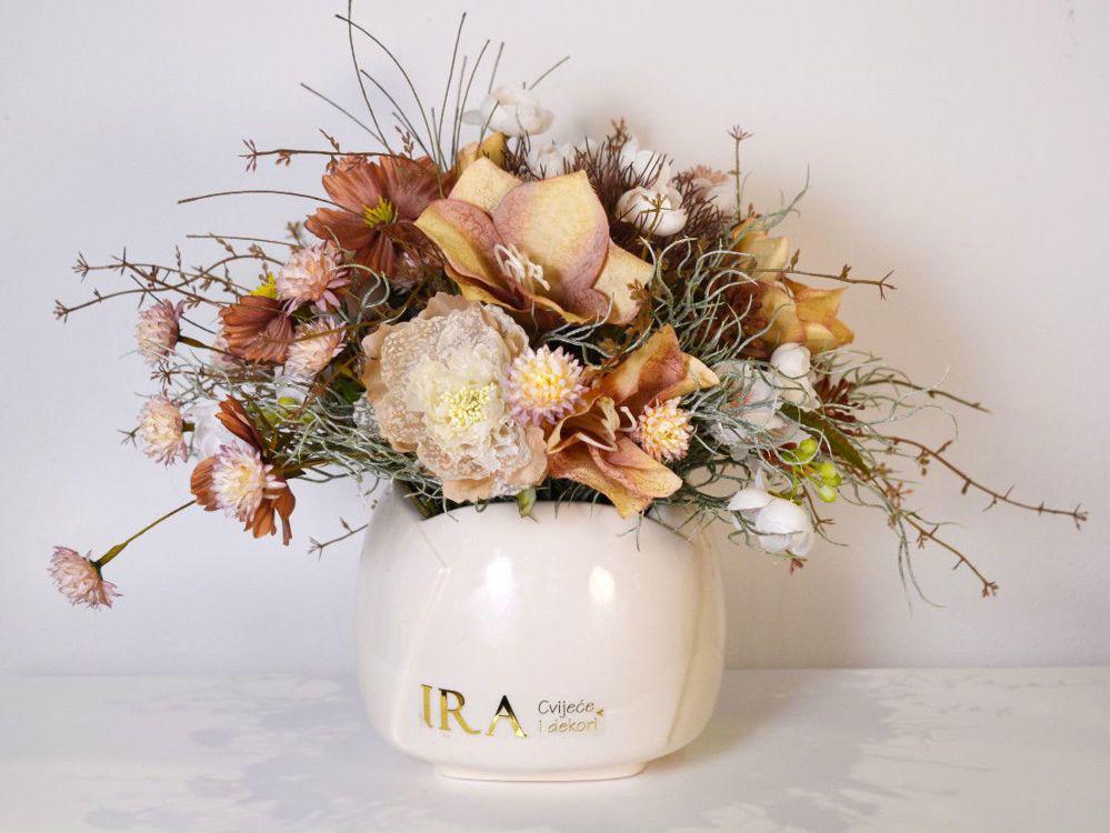 Aranžman - trajno cvijeće 548 kn