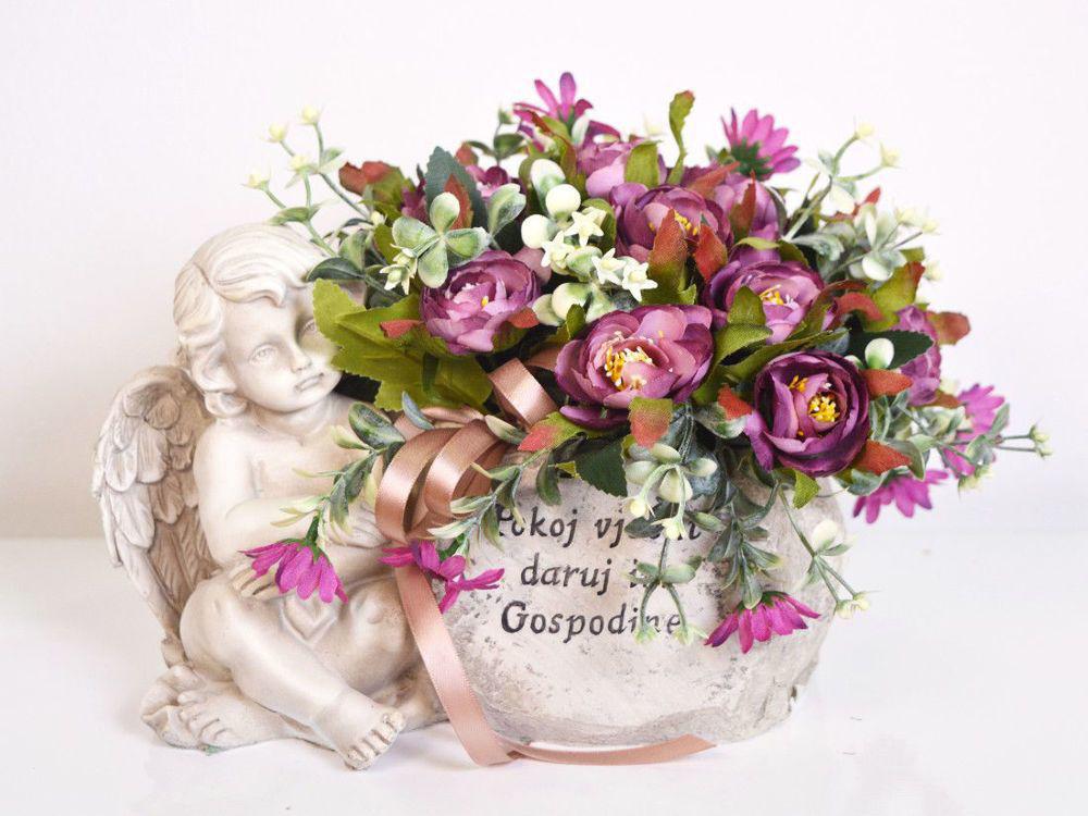Aranžman - umjetno cvijeće za groblje 199 kn
