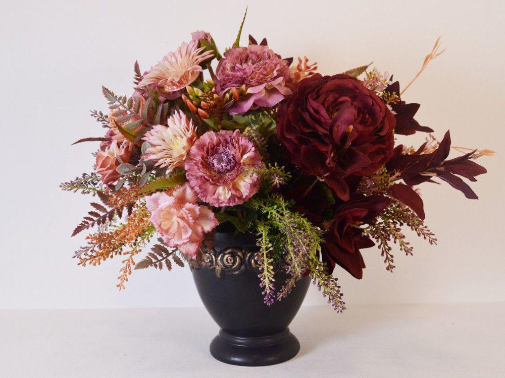 Aranžman - umjetno cvijeće za groblje 412,24 kn