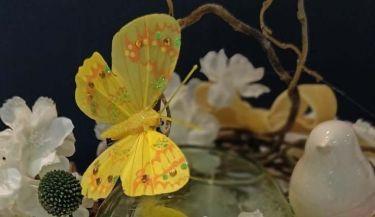 Uskrsni vijenac od umjetnog cvijeća 42